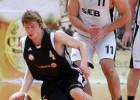 """Foto: Čempionvienības """"Swedbank"""" basketbolistiem uzvara par principiālāko sāncensi """"SEB banku"""""""