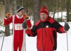 Seniori sacenšas distanču slēpošanā