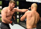 Miočičs uzveic Dos Santosu un turpina valdīt UFC smagā svara divīzijā