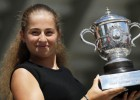 """IZM rosinās piešķirt Ostapenko naudas balvu par triumfu """"French Open"""""""
