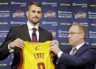 """Trīs fināli trīs gados, bet """"Cavaliers"""" šķiras no ģenerālmenedžera"""