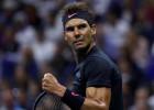 """Nadals uzvaras attālumā no visu laiku vieglākā """"Grand Slam"""" titula"""