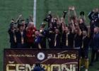 """Video: """"LDZ Cargo/DFA"""" finālā pieveic """"Monarhus"""" un kļūst par otrās līgas čempioniem"""