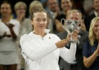 Talantīgā poliete Švjateka uzvar Vimbldonas junioru turnīrā