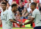 Neimāram divi vārti un izprovocēts noraidījums, PSG atkārto Francijas rekordu