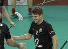 """Video: Ralfs Polis ieliek kārtīgu fintu """"Valmieras"""" sargātajos vārtos un atnes astoto uzvaru """"Kurši/Ekovalis"""""""