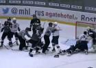"""Video: HK """"Rīga"""" revanšējas """"Chaika"""", otrais periods noslēdzas ar kautiņu"""