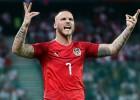 """Latvijas nākamās pretinieces līderis Arnautovičs vēlas tikt prom no """"West Ham"""""""