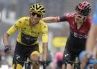 """Kolumbietis Bernals tikpat kā nodrošina vēsturisku uzvaru """"Tour de France"""""""