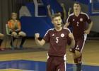Video: Latvijas U19 telpu futbola izlase mača izskaņā izrauj uzvaru pār Nīderlandi