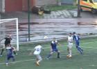 """Video: Votinovs divreiz skaisti iesit bumbu ar galvu, ievedot """"Jelgavu"""" pusfinālā"""
