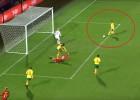 Video: Sieviešu futbols: Lietuviete pilnīgi brīva ieraida bumbu savos vārtos