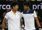 """Čons nokārto seškārtējā """"Australian Open"""" čempiona Džokoviča eksāmenu"""