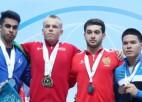 Video: Suharevs izcīna zeltu un tiek apbalvots junioru pasaules čempionātā