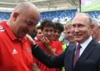Krievijas izlase pagarina līgumu ar Čerčesovu