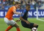 """Medijs: """"Ajax"""" talants de Jongs izvēlas PSG, Francijas čempione maksās 75 miljonus"""