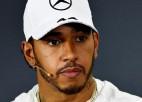 """Hamiltonu """"Mercedes"""" komandā varētu nomainīt Verstapens vai Alonso"""