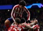 """""""Atletico"""" iesoļo astotdaļfinālā, Ronaldu nokārto uzvaru Vācijā"""