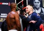 Uz spēles trīs UFC tituli - vai kāds čempions šonakt tiks gāzts no troņa?