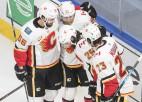"""""""Flames"""" grauj un tiek tālāk, """"Golden Knights"""" iemet sešus vārtus čempionei"""