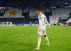 """Ronaldu pakāpjas uz pirmo vietu, Milānas komandu duelī vadību saglabā """"AC Milan"""""""