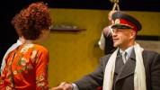 Fotoieskats Dailes teātra izrādē Divi kapteiņi