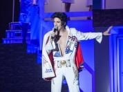 """Fotoieskats izrādē """"Vakariņas ar Elvisu"""""""