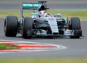 """Hamiltons izcīna """"pole position"""" savās mājās Lielbritānijā"""