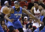 """""""Knicks"""" piesaista Porziņģim konkurentu, Bijombo spēlēs """"Raptors"""""""