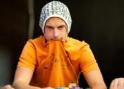 Viktors Bloms dienas laikā nopelna $408.7 tūkstošus