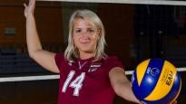Latvijas sieviešu volejbola izlasei foto sesija pirms PČ kvalifikācijas