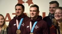 Phjončhanas medaļnieki Melbārdis un Strenga atgriežas Latvijā
