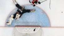 Sācies olimpiskais hokeja turnīrs