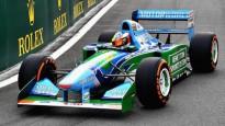 Miks Šūmahers izbrauc trasē ar sava tēva F1 bolīdu