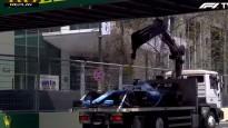Evakuators ietriecas Baku F1 trases tiltā