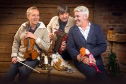 """Zigrfīds Muktupāvels, Jānis Lūsēns un  Mārtiņš Vilsons svētkos aicina uz koncertiem  """"Trīs vīri ziemassvētkos"""""""