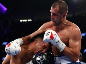 Vords ar strīdīgu tiesnešu lēmumu uzveic Kovaļevu un kļūst par jauno čempionu