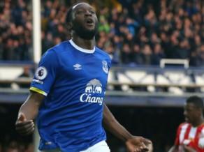 """""""Everton"""" līderis Lukaku pārsteidzoši atsakās pagarināt līgumu"""
