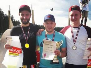 Noskaidroti Latvijas čempioni skeitborda slalomā 2017. gadā