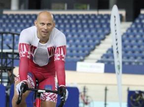 Ķiksis Maskavā labo pasaules senioru rekordu 200 metros gaitā