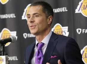 """NBA maiņu trakums noslēdzies ar Tomasa došanos uz """"Lakers"""" un Klīvlendas pārbūvi"""