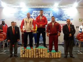 Latvijas atlēti izcīna astoņas medaļas pasaules čempionātā klasiskajā spiešanā guļus