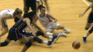 Video: U17 juniorēm -65 pārbaudes spēlē pret ASV