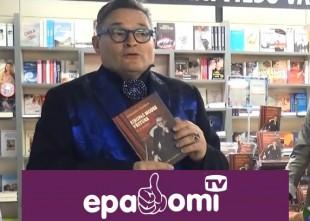Video: Krievijas modes guru Rīgā atklāj grāmatu par modes vēsturi