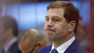 """Islanders"" atlaiž ģenerālmenedžeri Snovu un galveno treneri Veitu"