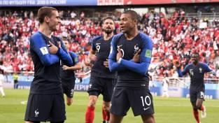 Mbapē sagādā Francijai otro uzvaru turnīrā un ieved komandu 1/8 finālā