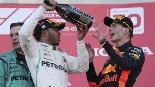 """F1 analītiķis: """"Tikai Verstapens ir spējīgs uzveikt Hamiltonu"""""""