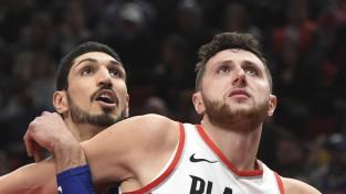 """""""Knicks"""" pametušais Kanters pievienojas vienai no Rietumu vadošajām komandām """"Trail Blazers"""""""