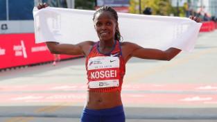 Kenijiete Kosgei pārspēj Redklifas pasaules rekordu maratonā
