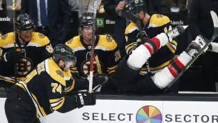 """Kako pirmie vārti NHL, """"Devils"""" nedienas turpinās, Otava pārsteidz"""